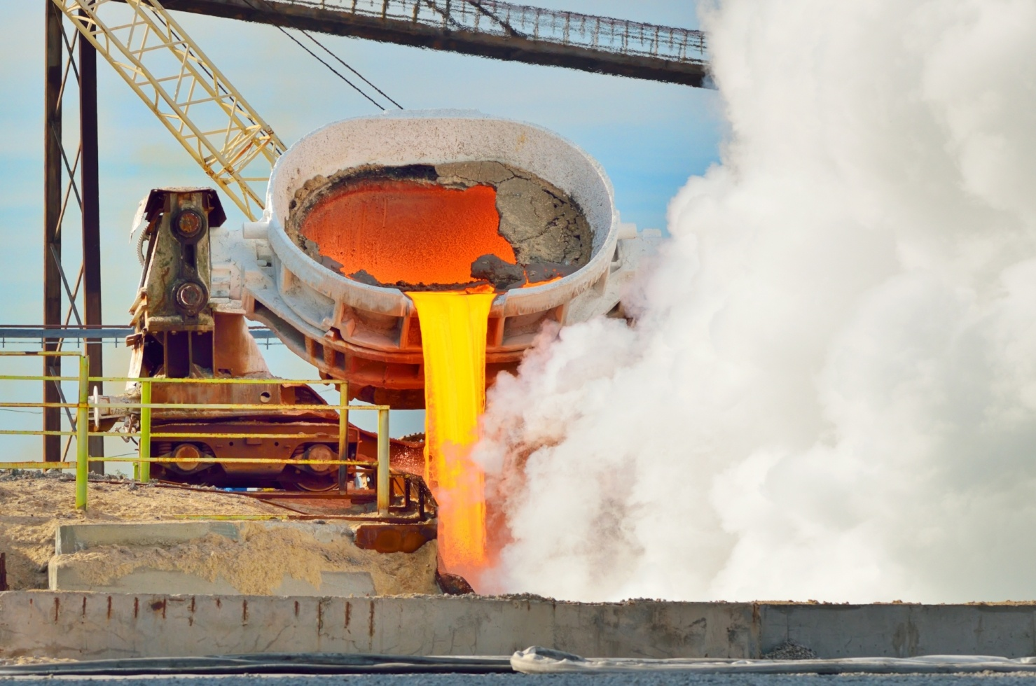 iStock-450909797 Pouring Steel Outdoors-732940-edited.jpg