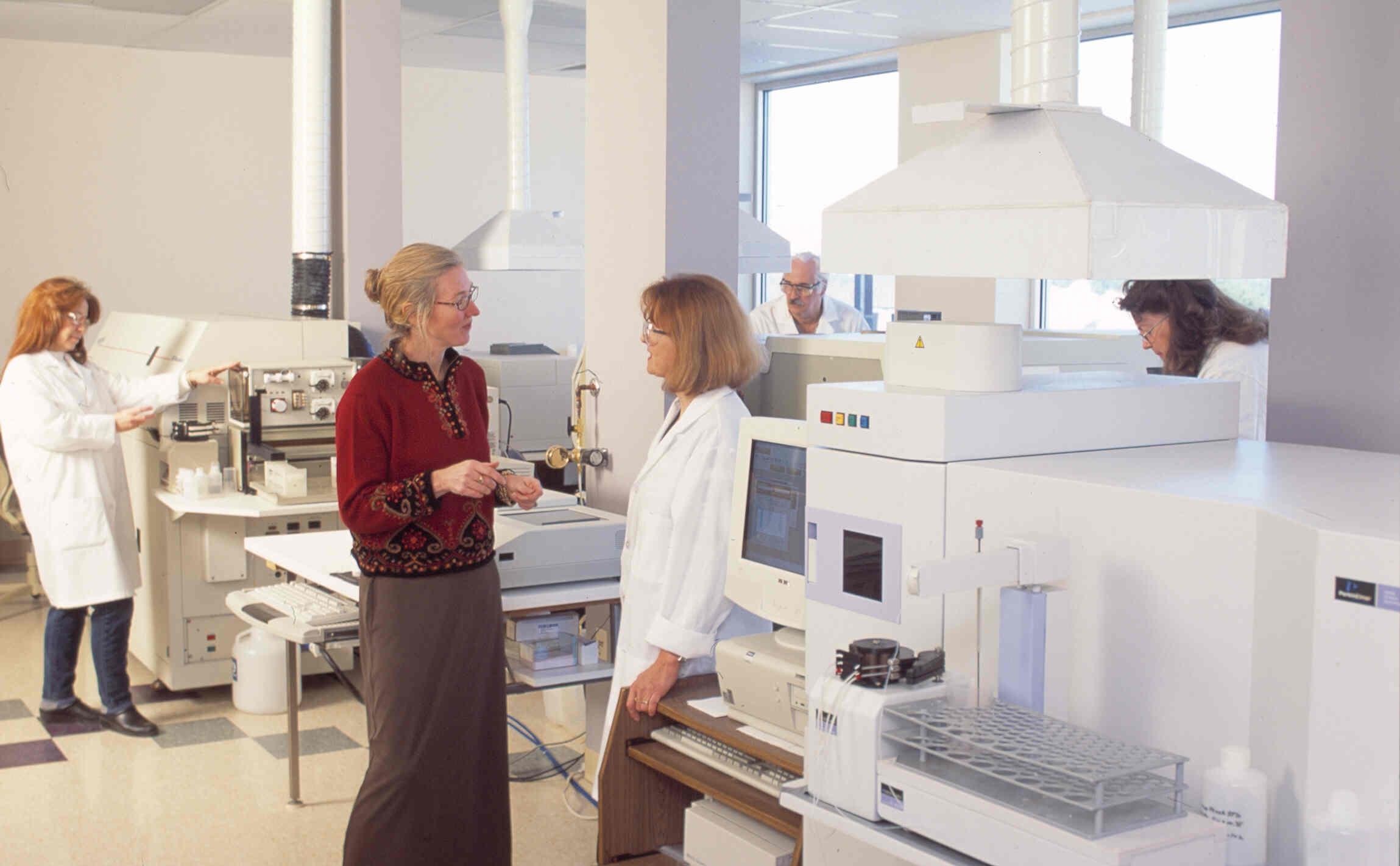 sue_anna in lab fullsize.jpg